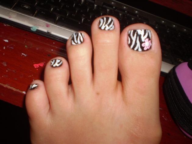 Foot zebra nail art gallery foot zebra prinsesfo Images