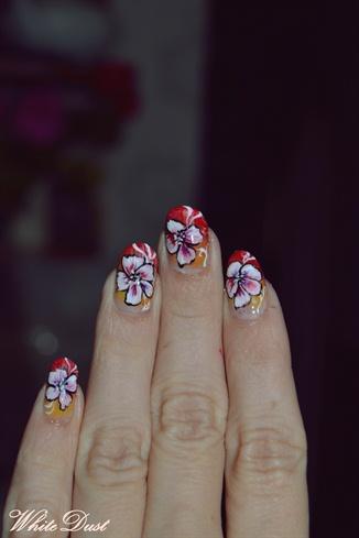 PlayFul nailS