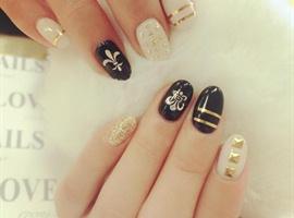 nail art: Rocky and Classy