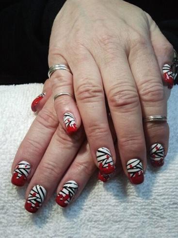 Bloody Mummy Nails