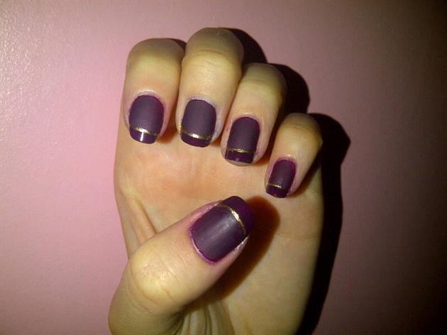 Gold Matte Manicure
