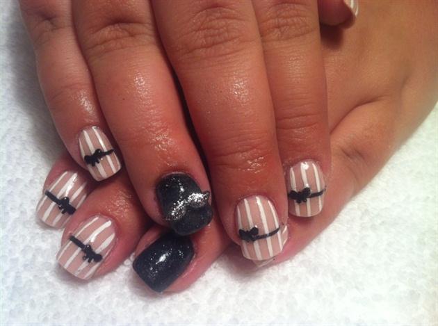 Moverber Nails