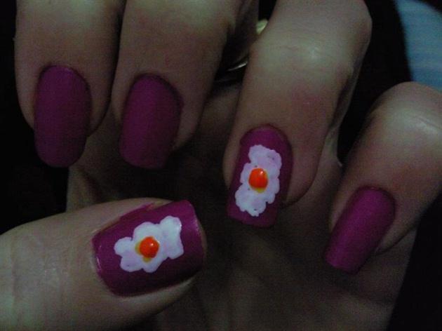 eggs nail
