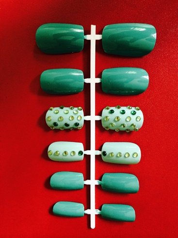 Green Contrast False Nails + Rhinestones