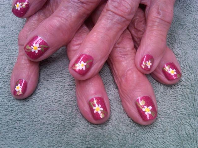 moms nails
