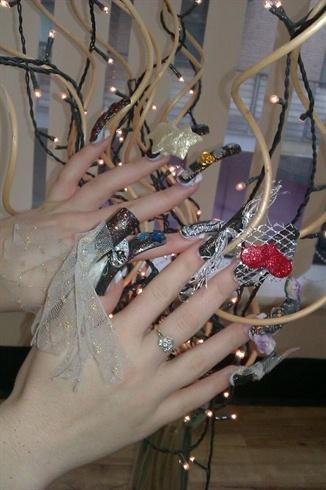 Burlesque Nails