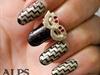 Zigzag Chevron nail art by Alpsnailart