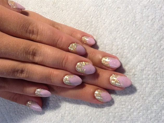 Glitter gel mani