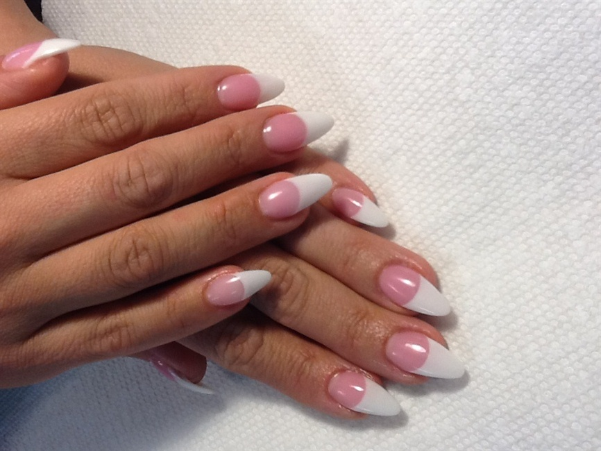 Almond shaped pink & whites - Nail Art Gallery