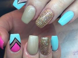 nail art: V