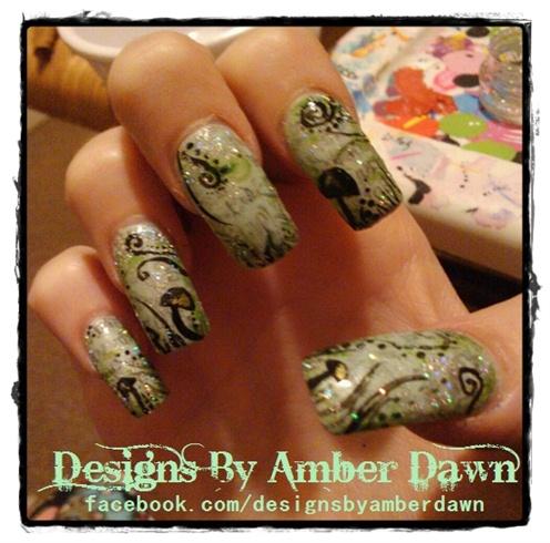 Newsprint Mushroom Nails