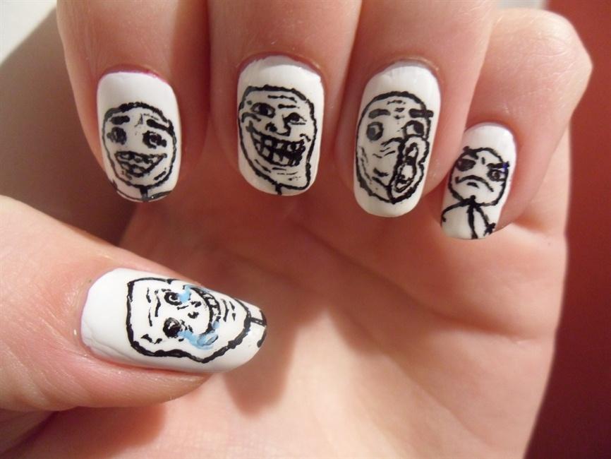 troll face nails - Nail Art Gallery