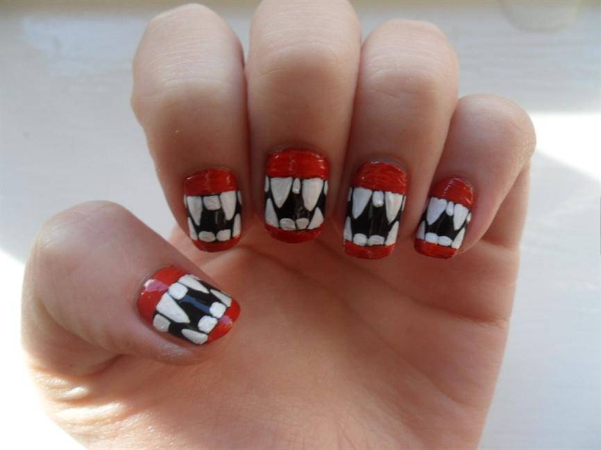 Vampire teeth nails - Nail Art Gallery