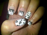 Piano\Music notes inspired nails..