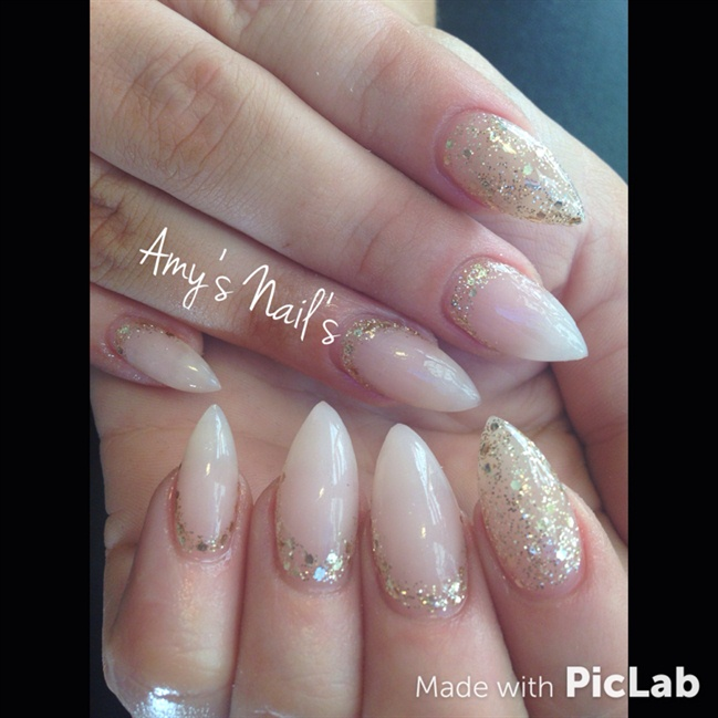 Natural Stiletto gels With Gold Glitter! - Nail Art Gallery