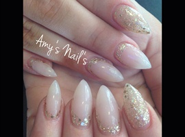 Natural Stiletto gels With Gold Glitter!
