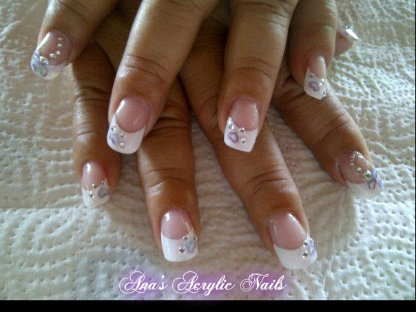 White tips with hearts and stones