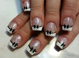 nail art: New Years bows