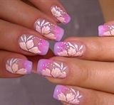 delicate nail art,sweet flower design