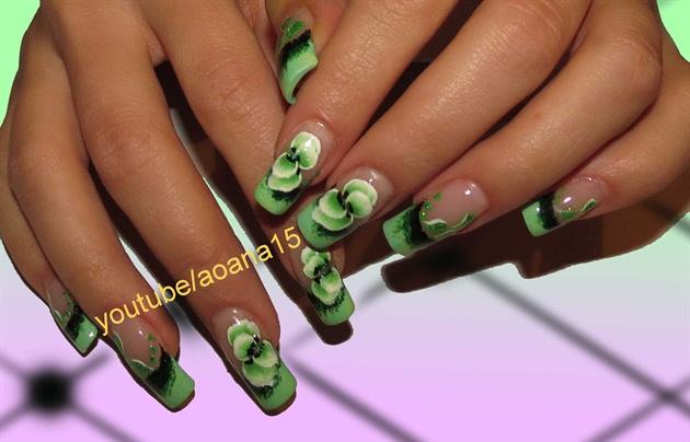 green nail art design one stroke techniq - Nail Art Gallery