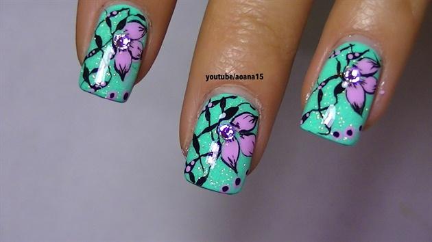 Pink and blue nail art design