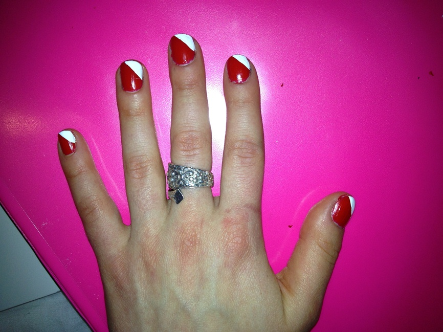 Red and White Nail Art - Nail Art Gallery Step-by-Step Tutorial Photos