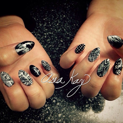 Geometric Gothic Nails - Geometric Gothic Nails - Nail Art Gallery