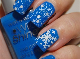 nail art: Snow Flakes and Glitter