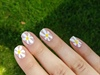 Daisy nails 💫💫💫