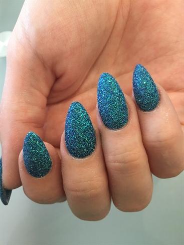 Azra Beauty & Nails