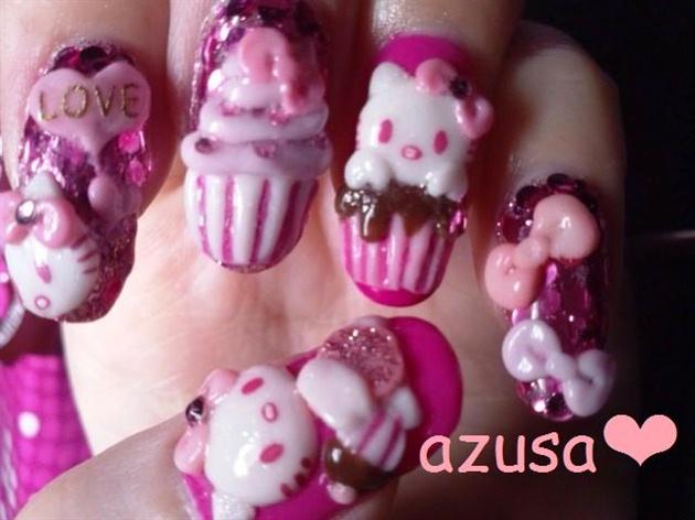 Hello Kitty in cupcake♥