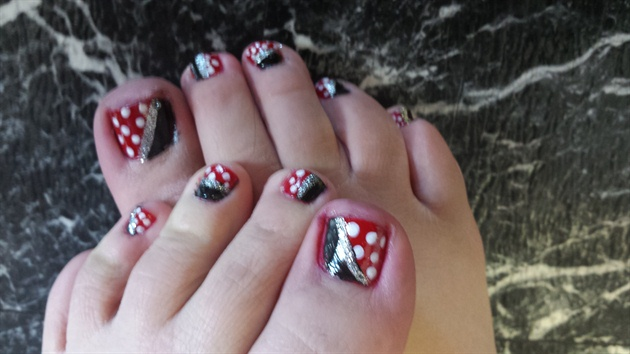 Minnie love ♡♡♡ toes