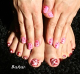 happy valentine nail design