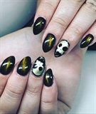 Cats Eye and Skulls