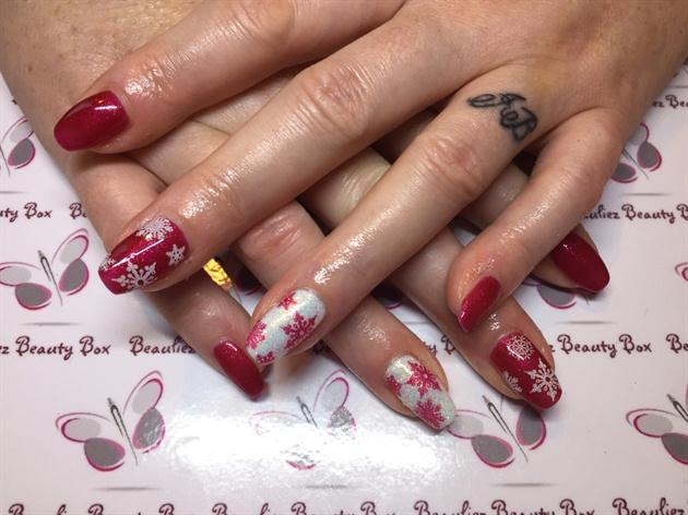 Snowflake Christmas Nails