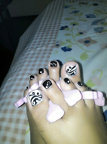abstract toenail