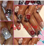 Custom wedding nails