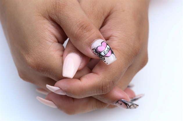 Here is a close up of the beautiful thumb nail. I hope you love this design as much as i enjoyed creating it.