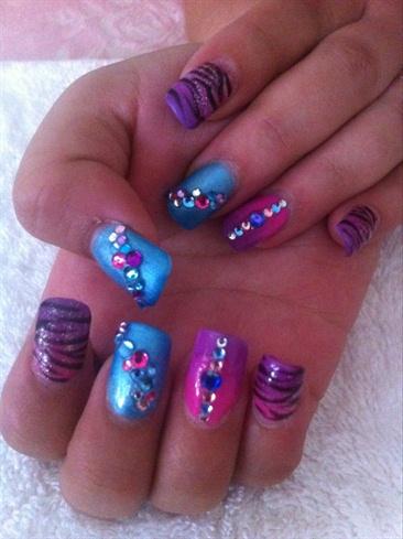 Gorgeous Nail Art 💙💜💙