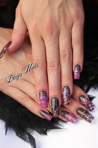 black lace & pink glitters