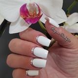 Wedding nails 🌸