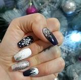 Snowfalls nails