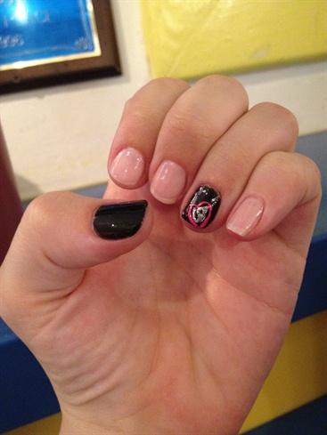 Elegant Heart Fingernails
