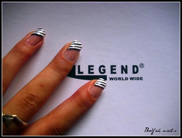 Strips manicure