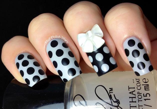 Do you like this white bowknot nail desi
