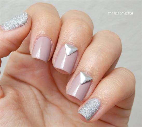 Triangle studs design