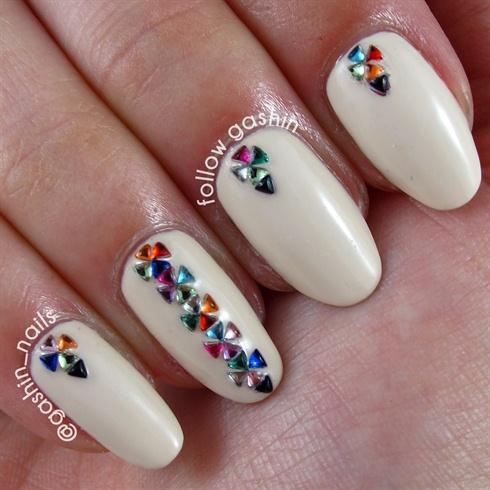 triangular rhinestones  nail art gallery