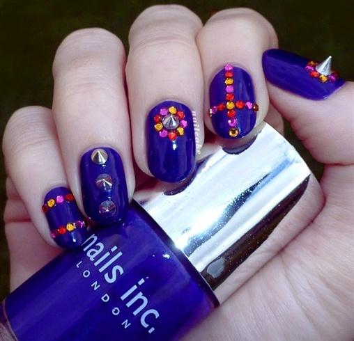 Silver Spike Studs Nail Art