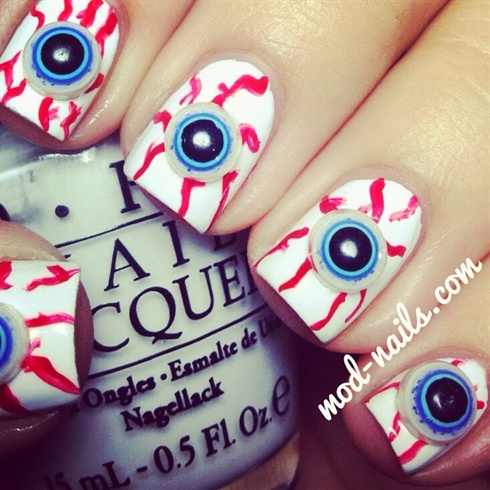 3D EYEBALL HALLOWEEN NAILS!