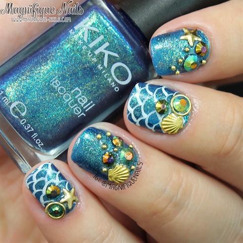 Fantastic Blue Shell Rhinestone Nails